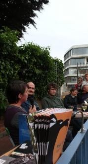 """Der Jajaverlag zu Gast in der """"Stiege"""" in Ulm: Annette Köhn, Joachim Brandenberg und Florian L. Arnold (Moderation)"""