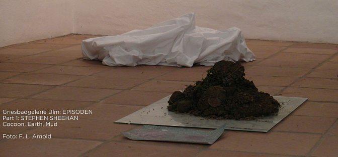 "Stephen Sheehan: ""Cocoon, Mud"" in der Griesbadgalerie (Foto: F. L. Arnold"