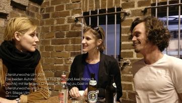 Literaturwoche Ulm 2014 Die beiden Autoren Pauline Füg (links) und Axel Roitzsch (rechts) mit Verlegerin Christine Ott (mitte) zu Gast in der Literaturwoche am 3. 7. 2014. Ort: Stiege Ulm