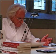 """Dieter Sander liest aus seinem Buch """"Fritz Picard. Ein Leben zwischen Hesse und Lenin""""."""