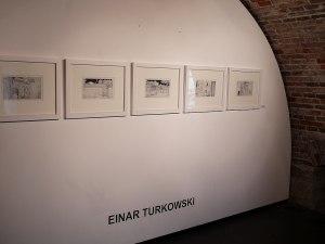 Eröffnung der Literaturwoche Donau: START WITH ART in der Venethaus-Galerie am 14. April 2016. Zeichnungen von Einar Turkowski. Foto: Patrick Schmidt, Ulm